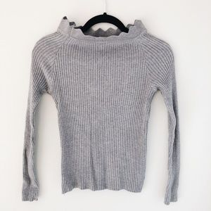 Sweaters - HP 🎉 Unbranded Ribbed Gray Sweater